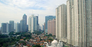 В Джакарте тысячи мусульман выступили против христианского мэра города