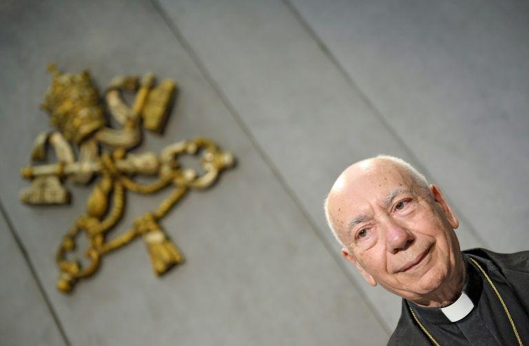 Президент Папского Совета по законодательным текстам считает возможным причащать второбрачных