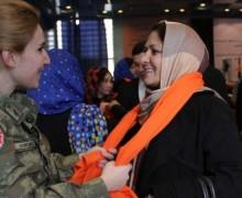 Турецким женщинам-офицерам разрешили носить мусульманские платки