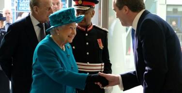 Королева Елизавета II открыла в Лондоне Центр защиты от хакеров
