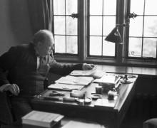 СМИ: найден трактат Уинстона Черчилля о существовании внеземной жизни