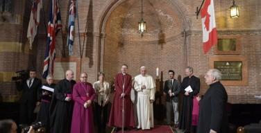 Папа Франциск первым из понтификов посетил англиканскую церковь в Риме