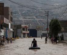 Папа Франциск молится за жертв разрушительного наводнения в Перу