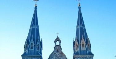 Жителей Пенсильвании не устраивают кресты на мосту между зданиями католического университета