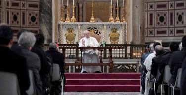 Папа — приходским настоятелям: укрепляйте свою веру и веру паствы