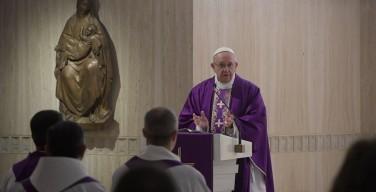 Папа: путь Великого Поста проходит через скандал Креста