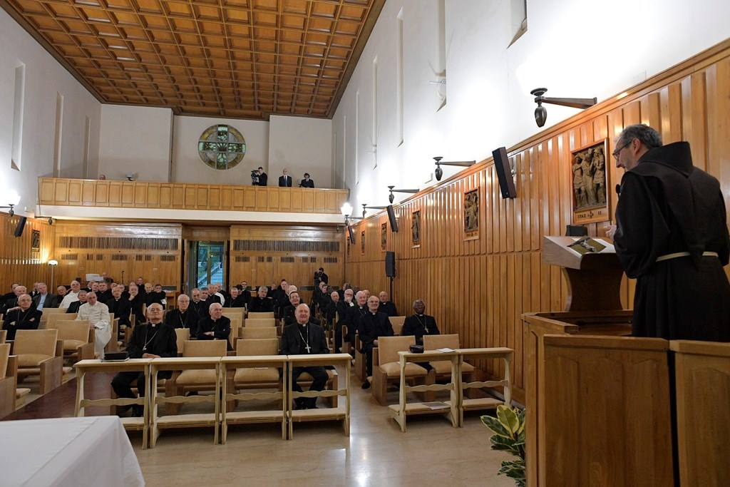 Духовные упражнения в Аричче: в жизни любовь к Богу и ближнему должны идти неразрывно вместе