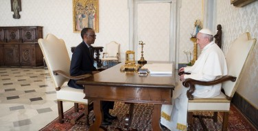 Папа Франциск принял президента Руанды