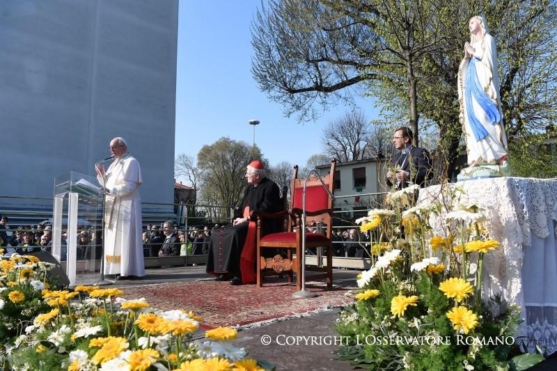 Папа Франциск в Милане: первый визит — на городскую периферию (ФОТО + ВИДЕО)