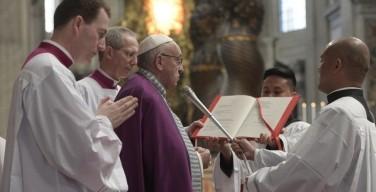 Литургия покаяния в Ватикане (ФОТО-подробности)