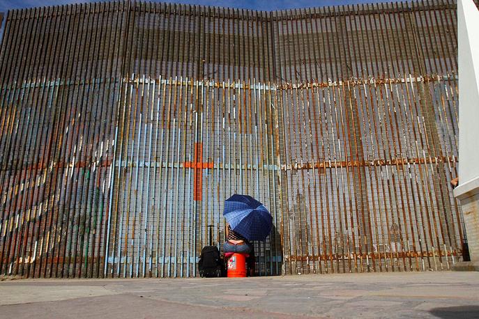 В Мексике Церковь осудила намерение ряда компаний строить стену на границе с США