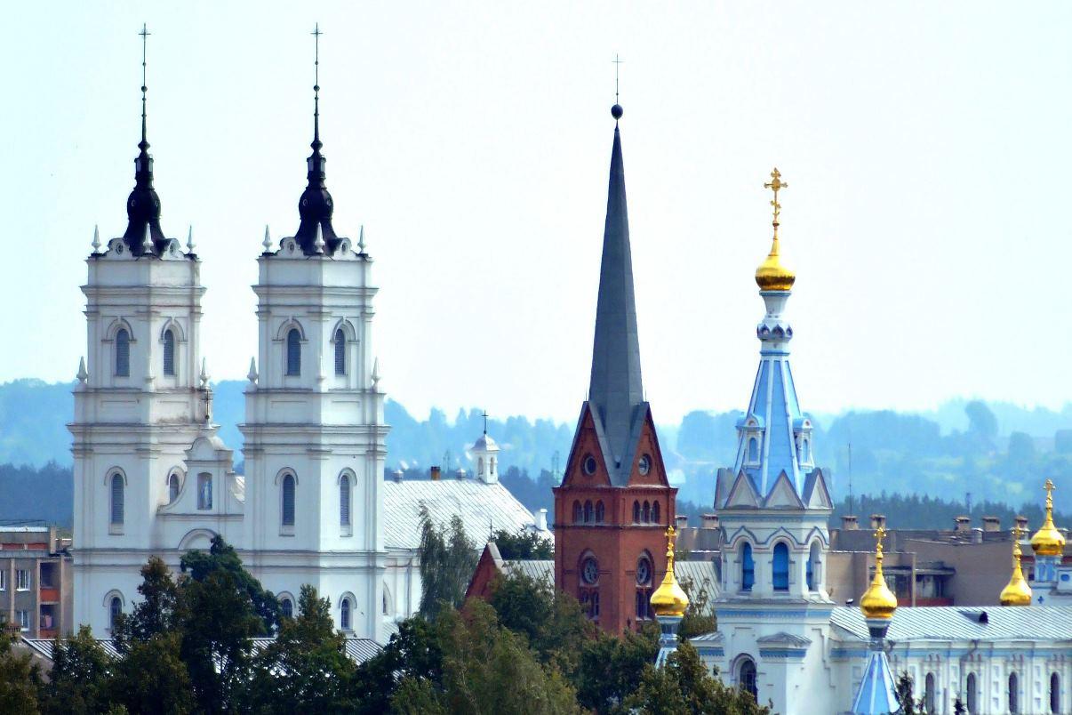 Опрос: почти половина жителей Латвии хочет, чтобы страной руководили убежденные христиане