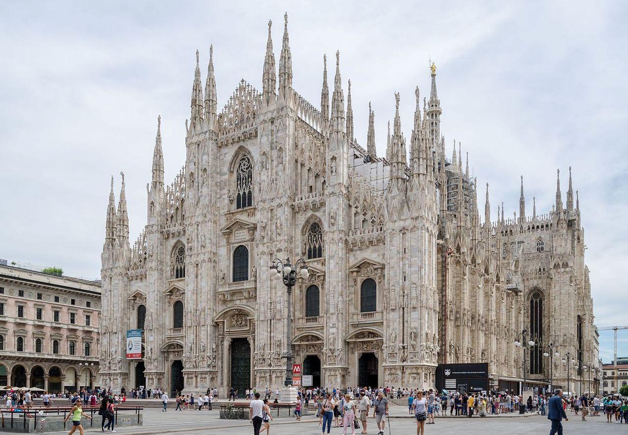 Папа Франциск дал интервью бездомным Милана