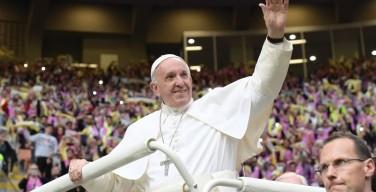 Папа Франциск встретился с миланскими подростками