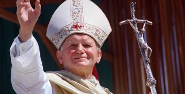 Кардинал Ныч призывает активнее передавать будущим поколениям память о св. Иоанне Павле II