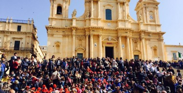 Сицилийский архиепископ запретил мафиози становиться крестными родителями