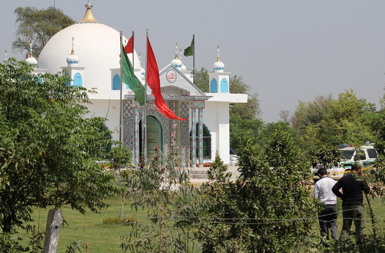 Смотритель суфийского храма в Пакистане убил 20 прихожан