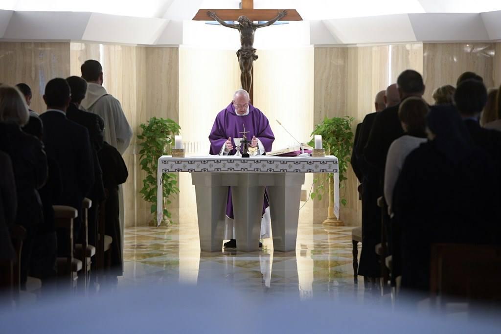 Папа: остановиться и увидеть Божью любовь в своей истории