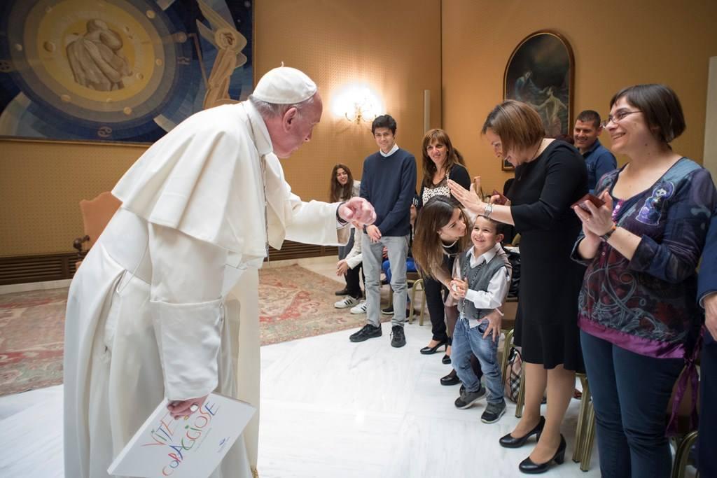 Папа Франциск встретился с юными героями документального фильма «Дети из ?Бамбино Джезу?»