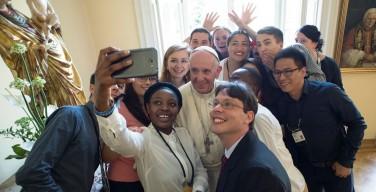 Папа — молодёжи: не гоняйтесь за модой, трудитесь ради лучшего мира
