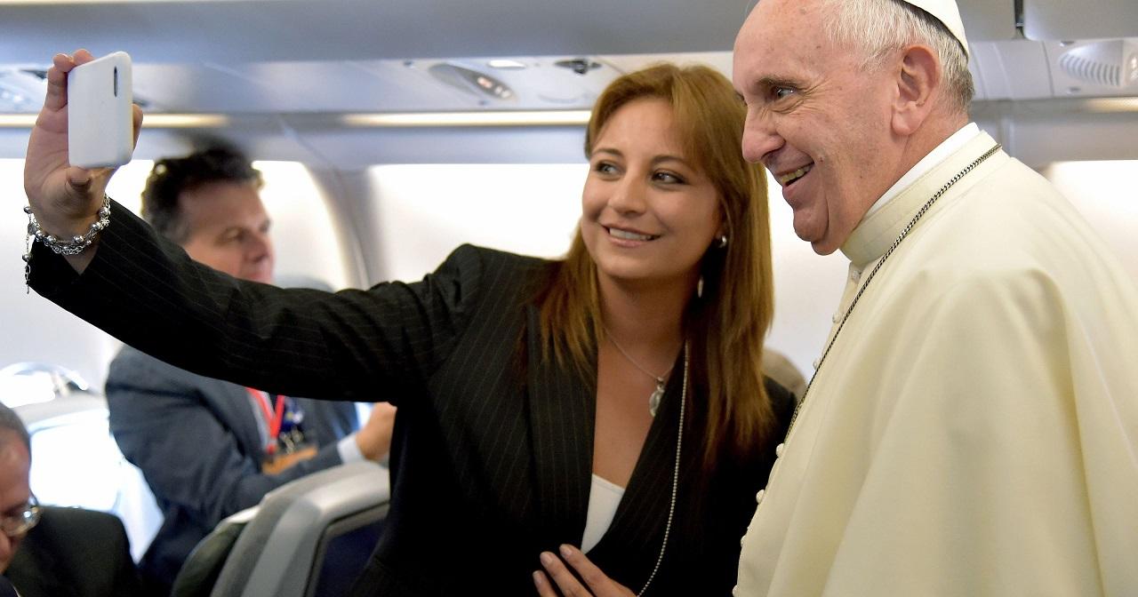 Как смартфоны и соцсети влияют на христианство