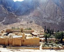 СМИ: в Египте задержали подозреваемых в причастности к стрельбе у монастыря святой Екатерины