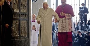 Папе Бенедикту XVI — 90 лет: свидетельство монс. Генсвайна