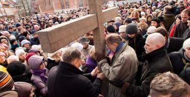 По улицам Старой Риги в Страстную пятницу пройдет экуменический крестный ход