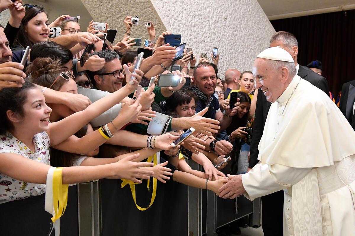 Папа: наступило время борьбы с культурой разрушения