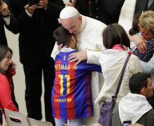 Папа Франциск: болезнь — это повод для встречи и солидарности
