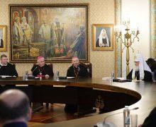 Патриарх Кирилл передал для Папы Римского старинную икону Николая Чудотворца