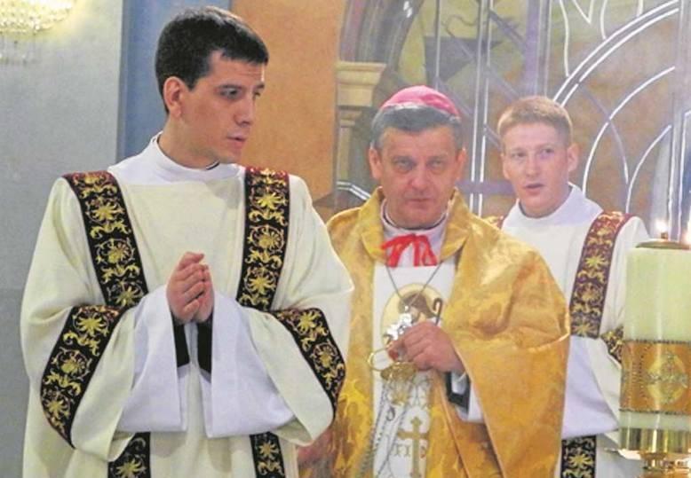 Сын премьер-министра Польши Беаты Шидло станет священником