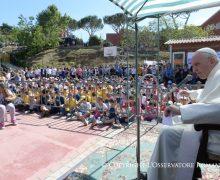 Папа Франциск посетил еще один приход на окраине Рима (+ ФОТО)