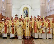 В Архиепархии Божией Матери в Москве большие кадровые изменения