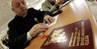 Курс для экзорцистов в Риме: жить Таинствам
