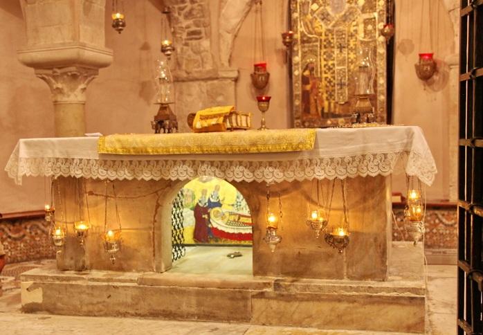 Частица мощей святителя Николая извлечена и готова к доставке в Россию