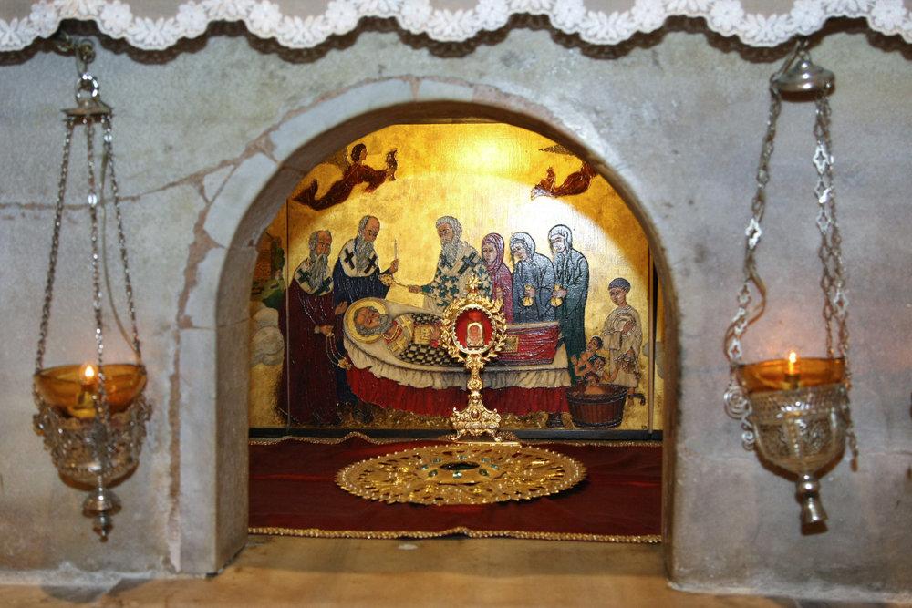 Ковчег с частью мощей святителя Николая вынесли из базилики Бари
