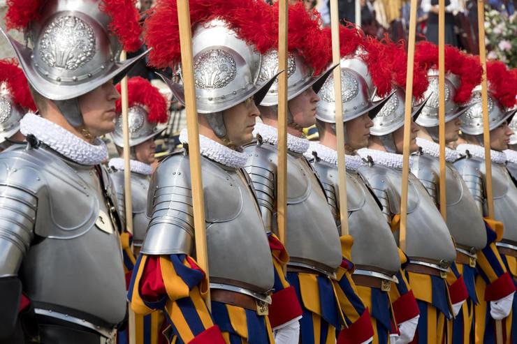 Папа — Швейцарским гвардейцам: в Риме будьте свидетелями веры