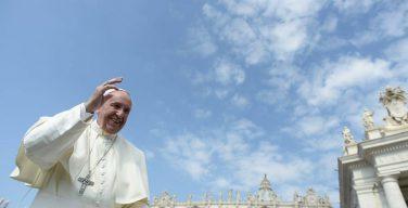 Общая аудиенция 14 июня. Папа: считать, что любовь нужно заслужить, — это рабство