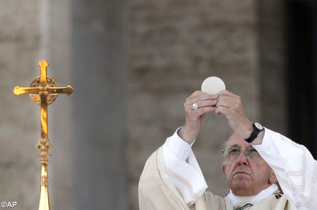 Corpus Domini в Вечном городе. Папа: Евхаристия – это таинство памяти и единства