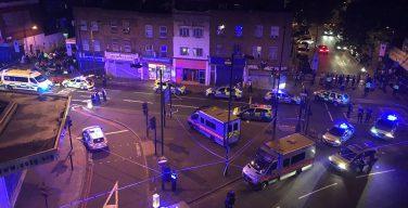 Религиозная общественность Британии осуждает атаку с наездом на пешеходов у мечети Лондона