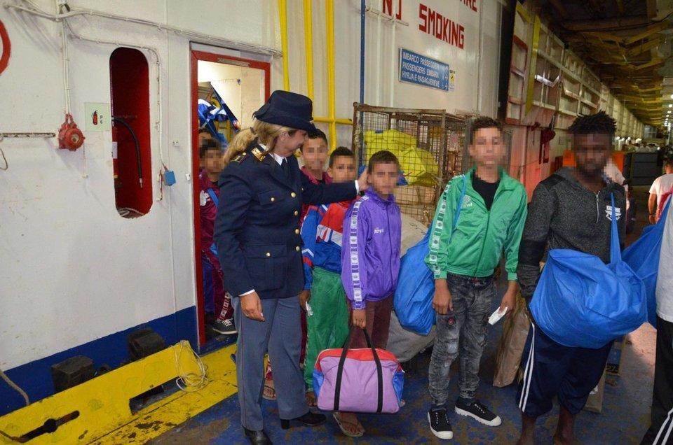 Святейший Престол: дети-мигранты рискуют попасть на самое дно человеческой деградации