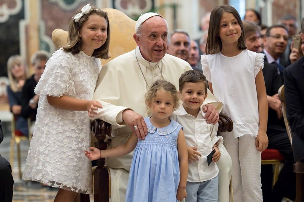 Папа: лечение онкологических заболеваний должно быть свободно от коммерческих интересов