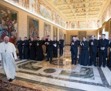 Папа — монашествующим: будьте смелыми свидетелями Воскресения