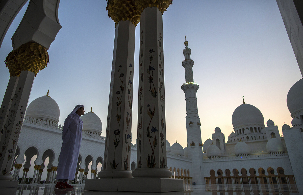 Одна из крупнейших мечетей Абу-Даби переименована в честь Пресвятой Девы Марии