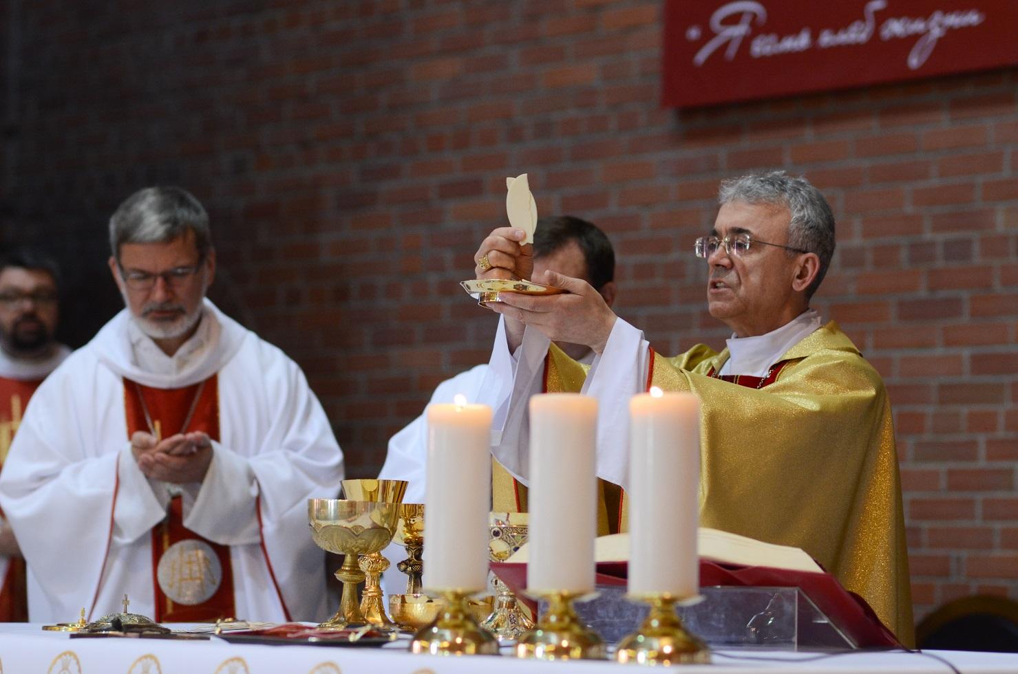 Епископ Иосиф Верт: «Я счастлив, что родился в католической семье российских немцев»