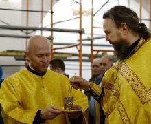 Бывший вице-мэр Южно-Сахалинска Алексей Лескин стал пономарем в храме