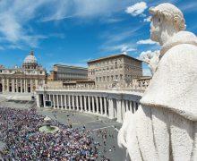 Ватикан: в июле общие аудиенции будут приостановлены
