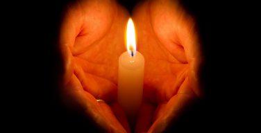 Папа Франциск молится о жертвах теракта в Барселоне