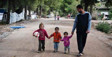 Австрийские семьи помогают интегрироваться семьям беженцев